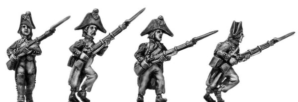 (100WFR005) Fusilier, bicorne, ragged uniform, advancing
