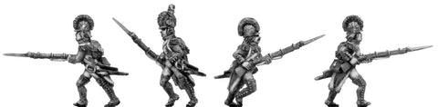 (100WFR016) Grenadier, casque, regulation uniform, advancing