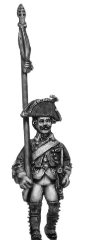(100WFR348) Musketeer std. bearer, no lapels, marching