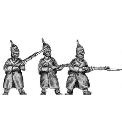 (300CMW051) Russian infantry in greatcoats & helmet, at the ready