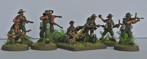 (100WWT059b) World War II Australian Infantry set, helmet- 22 figures