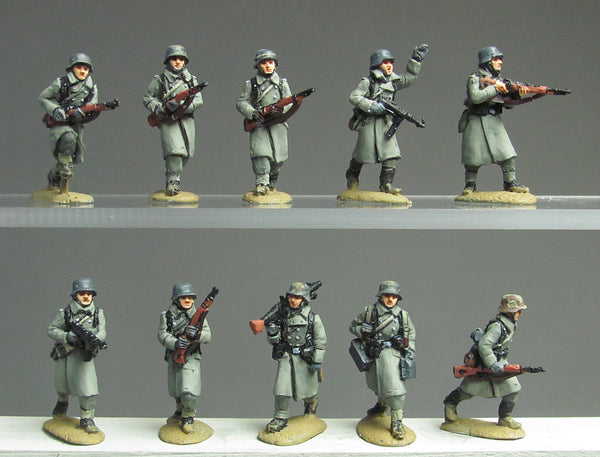 (ING27) NEW Greatcoat infantry advancing
