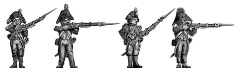 (100WFR029) Grenadier, bicorne, ragged campaign uniform, firing/loading
