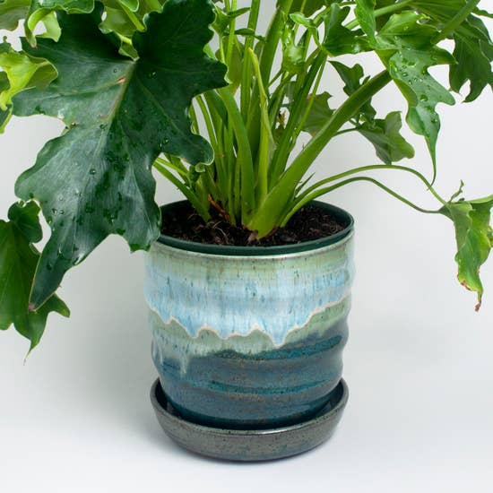 Load image into Gallery viewer, Seafoam Planter