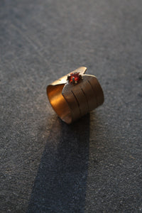Louie Jewelry - Garnet & Gold Ring