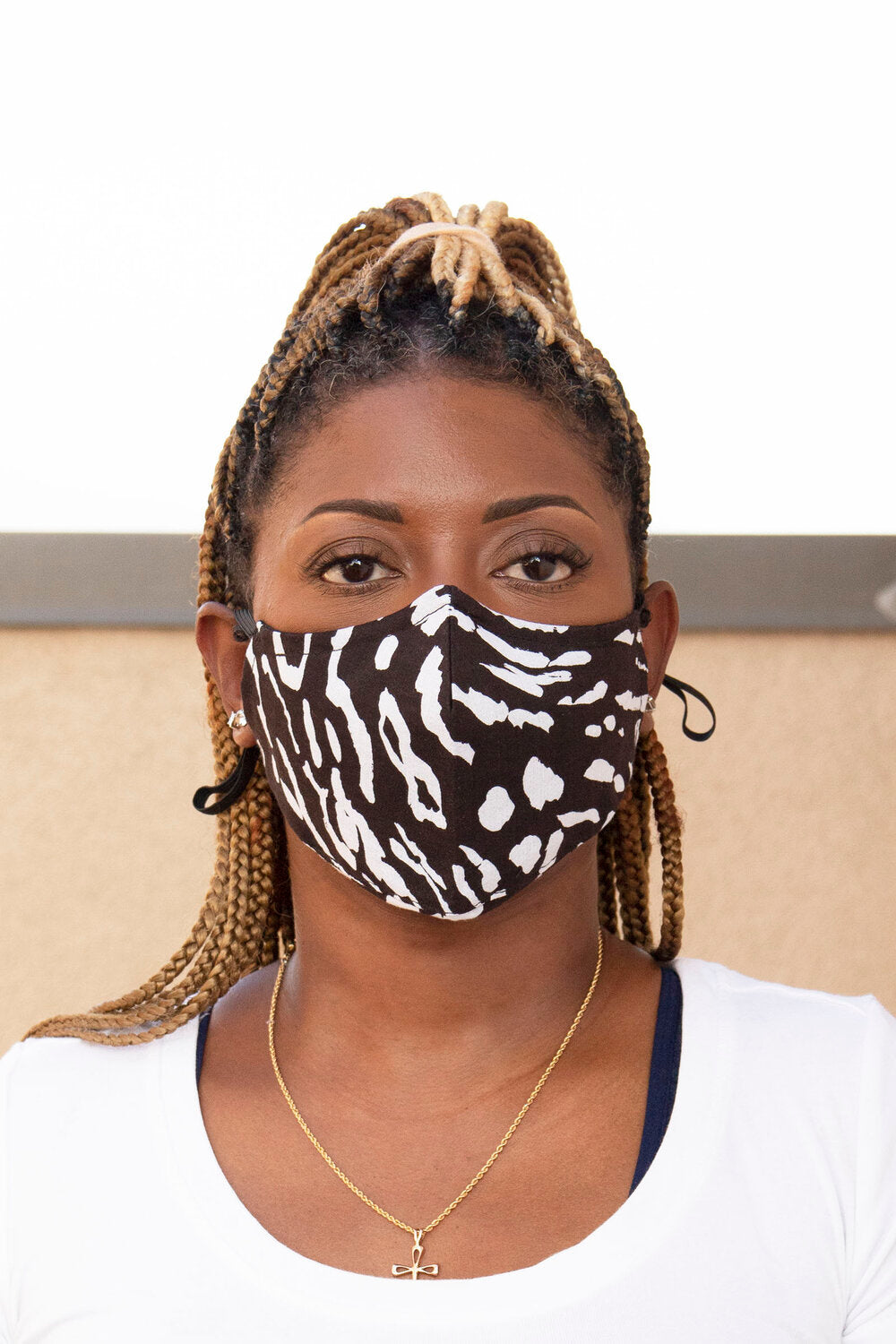 Black/White Animal Print Secure-Fit Face Mask - pacorogiene