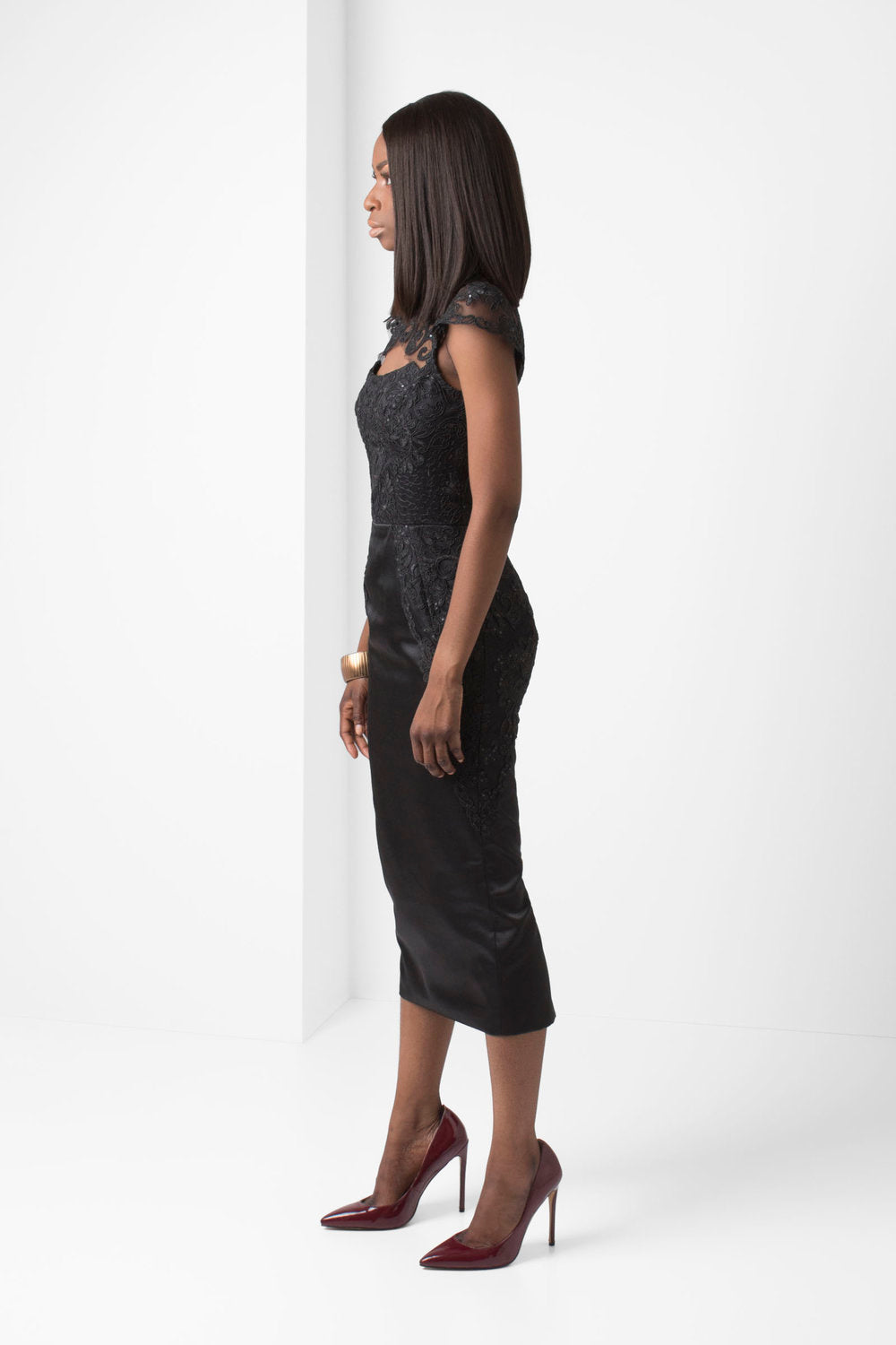 Black Embroidered Lace Pencil Skirt - pacorogiene