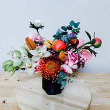Load image into Gallery viewer, Large Flower Arrangement