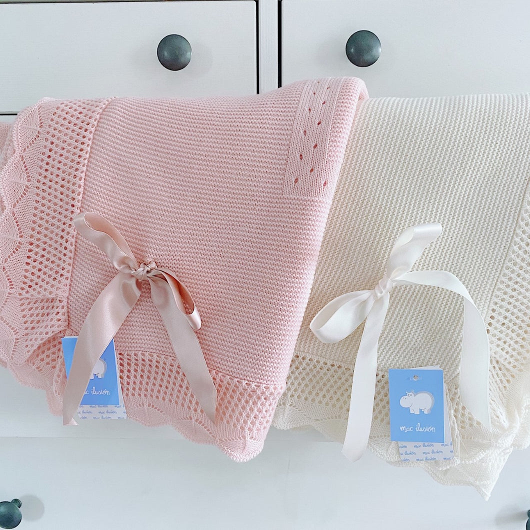 Mac Ilusion Blanket in Cream or Pink