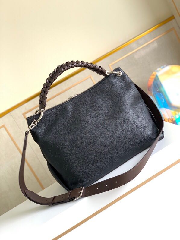 Black leather handbag louis vuitton
