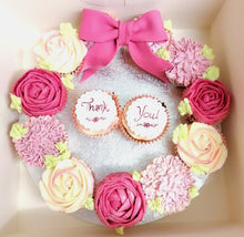Load image into Gallery viewer, Cupcake Wreath