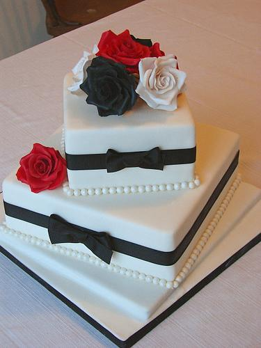 Roses 2 tier square twisted cake