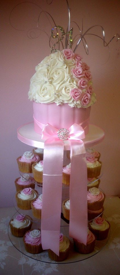 Roses Giant cupcake and cupcake tower
