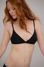 comfortable triangle bra in black