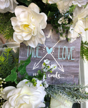 Load image into Gallery viewer, White Wedding Wreath.