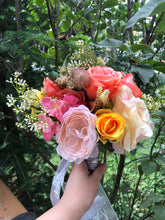 Load image into Gallery viewer, Roses Bridal Bouquet
