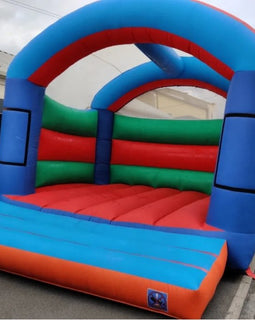 Giant Adult Bouncy Castle Hire - Games2Hire