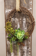 Load image into Gallery viewer, Succulent Wreath