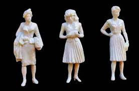 JTT G-scale (1/24), Female Figures, White 3/pk (97125)