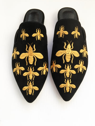 Embroidered Bee Slide
