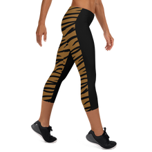 Load image into Gallery viewer, Capri Leggings Half n Half