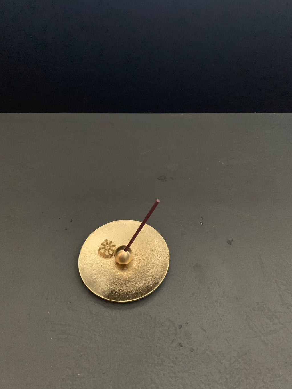 Incense stand - circle