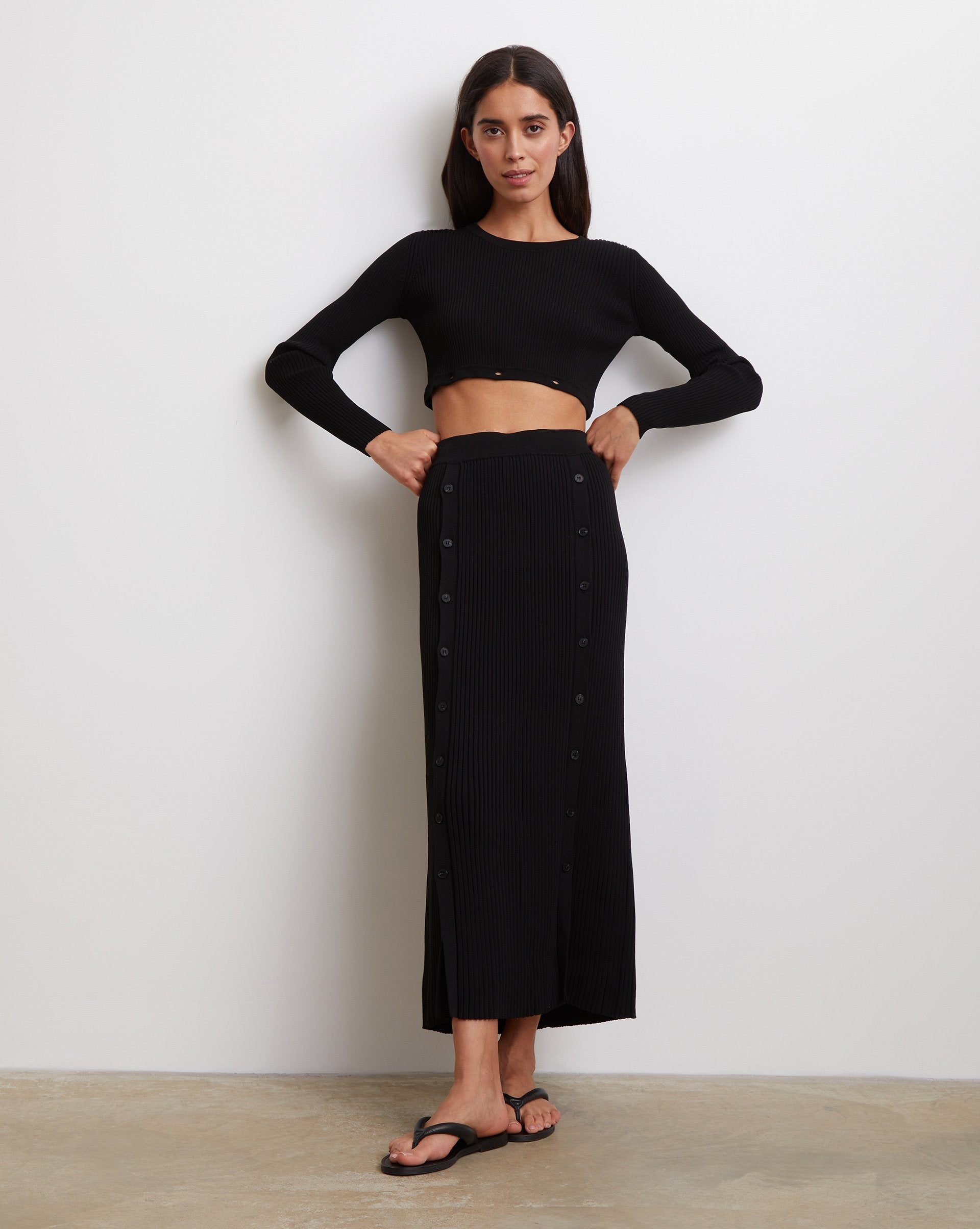 Ribbed knit buttoned midi skirt - 12 STOREEZ