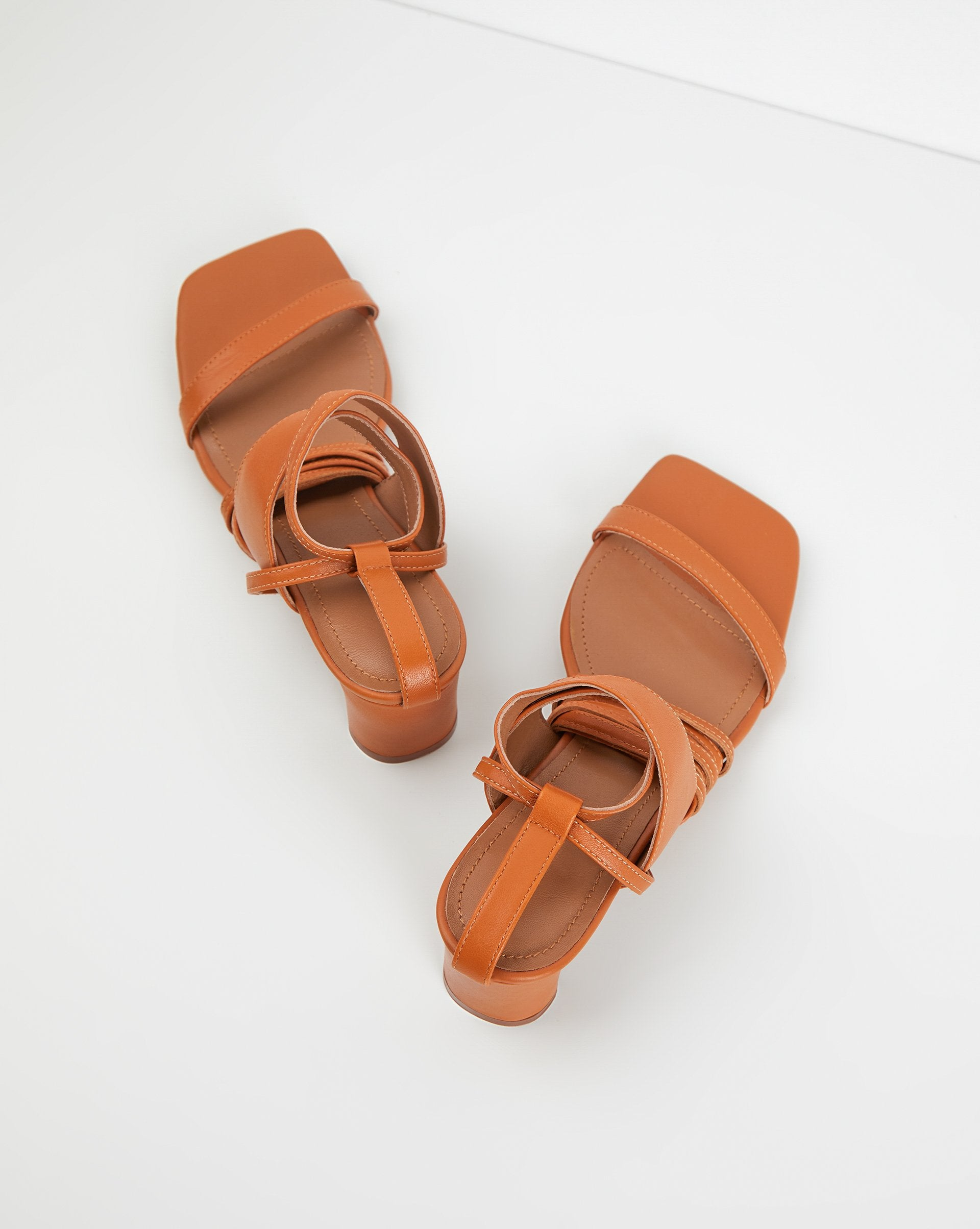 Sandals with a braid at the ankle - 12 STOREEZ