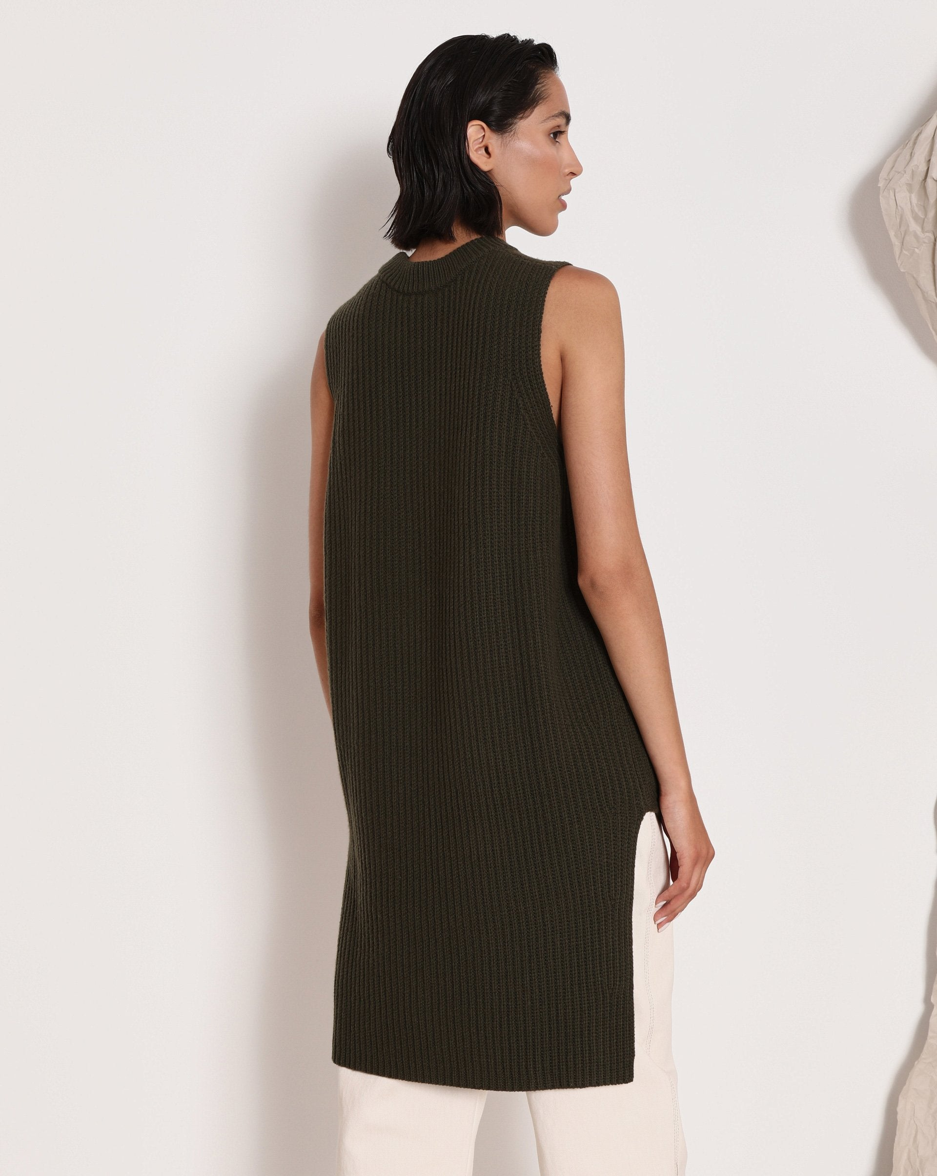 Elongated asymmetric vest - 12 STOREEZ