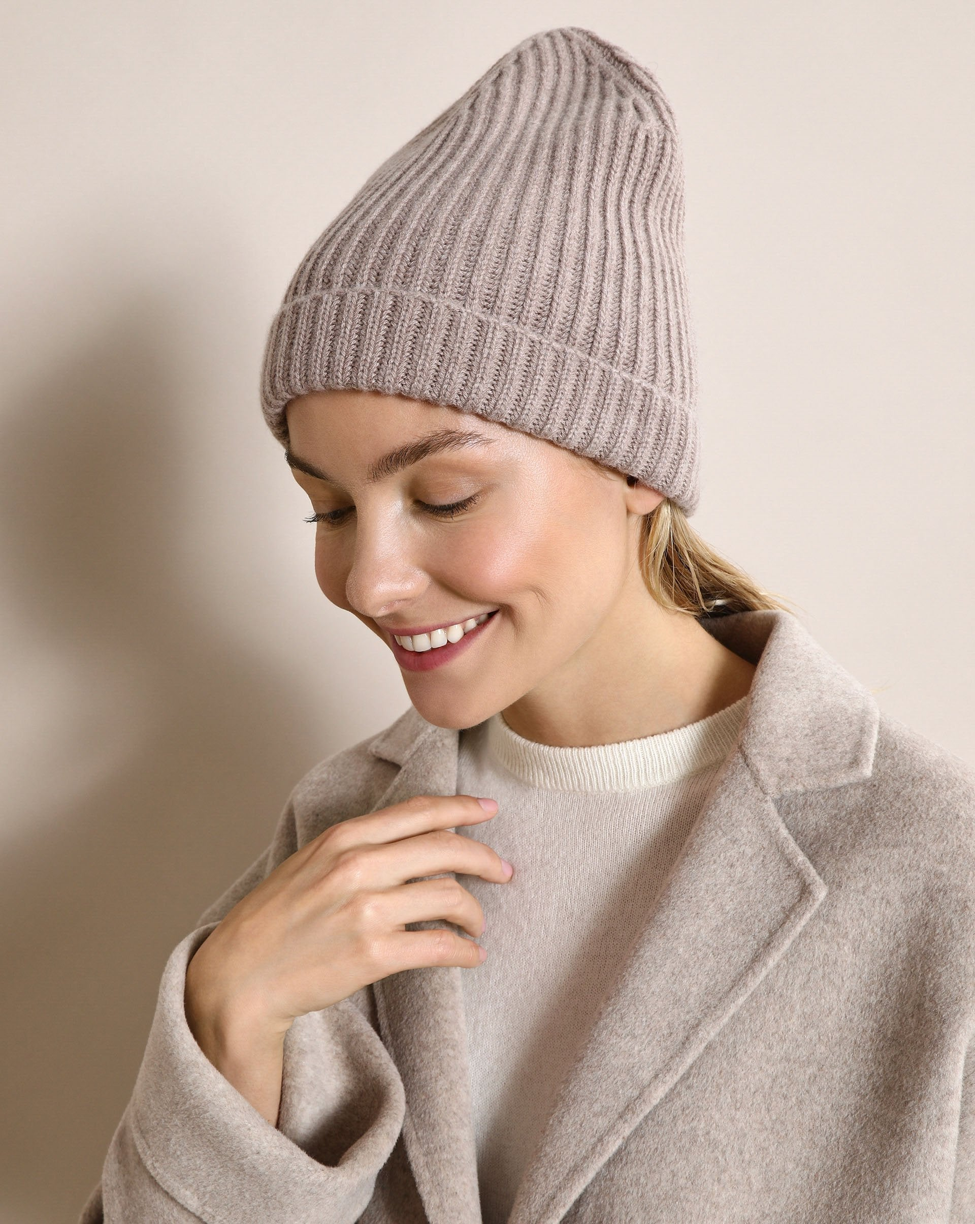 Cashmere blend ribbed knit beanie - 12 STOREEZ