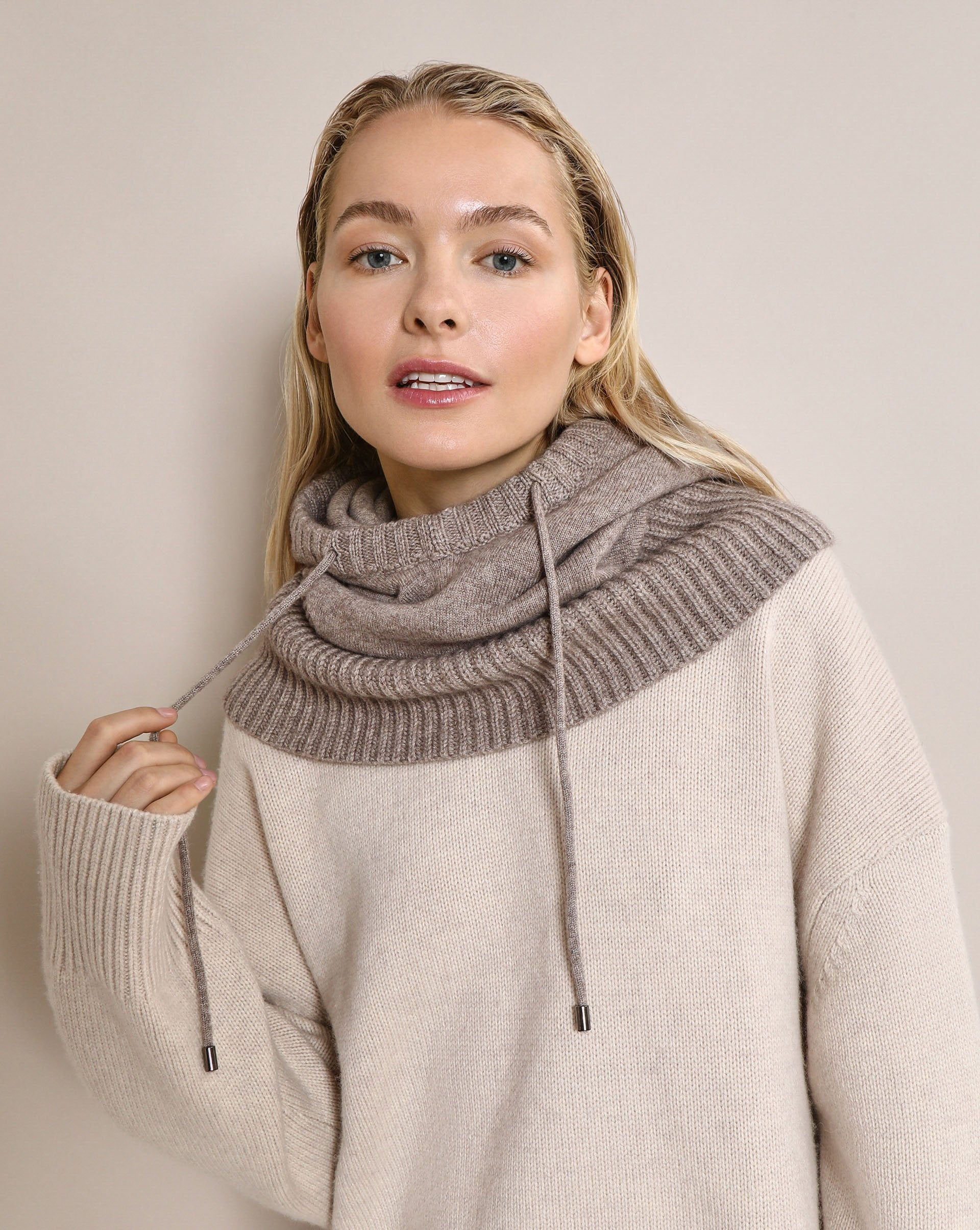 Knit hooded scarf - 12 STOREEZ