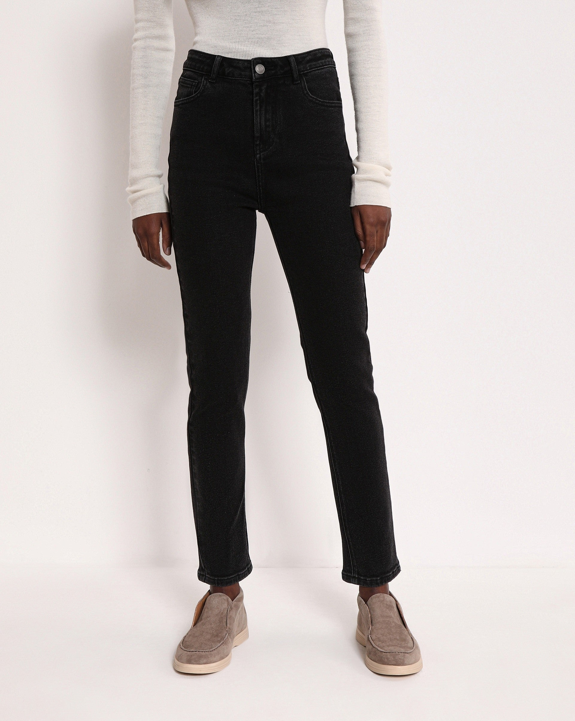 Slim fit straight leg jeans - 12 STOREEZ