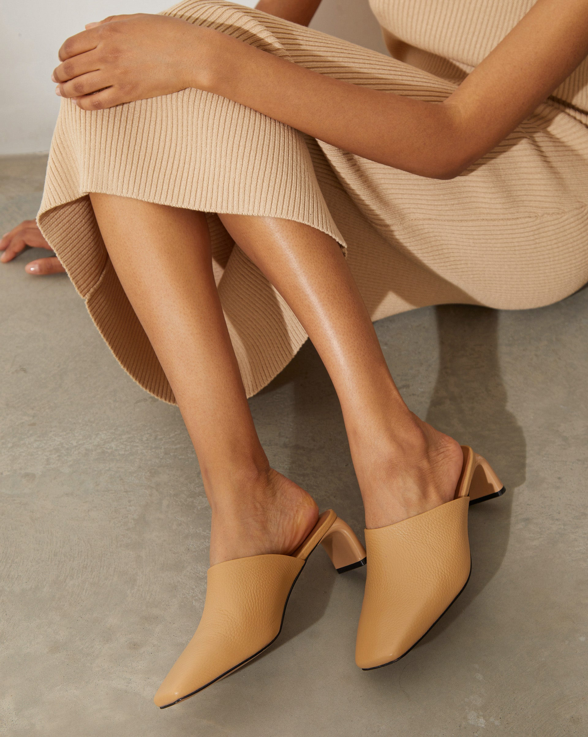 Grain leather mules