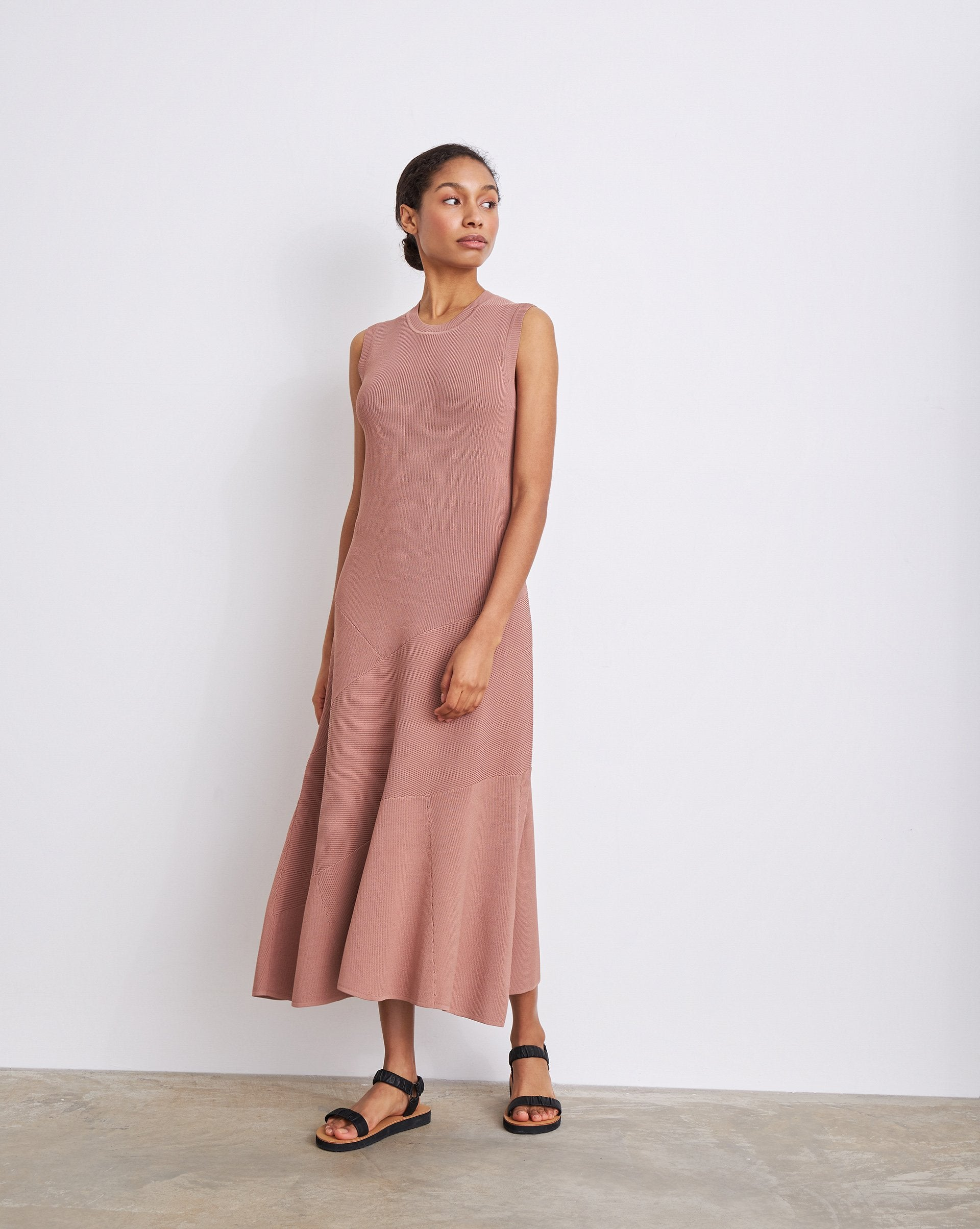 Sleeveless flared maxi dress - 12 STOREEZ