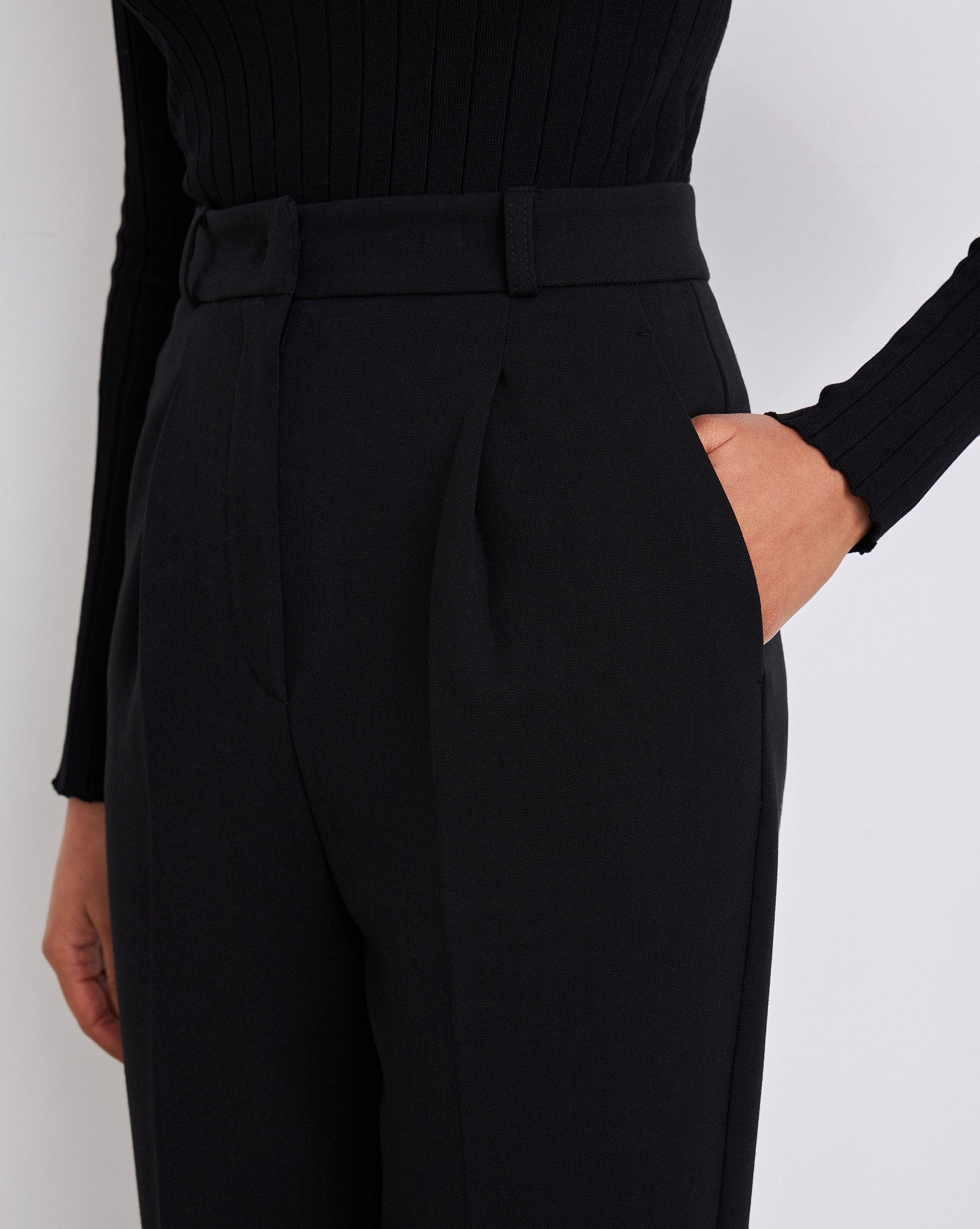 Cropped creased trousers - 12 STOREEZ