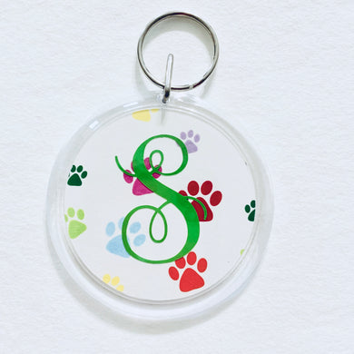 Personalized Round Key Chain - Paw Prints w Initial - Beachside Knits N Quilts