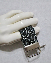 Load image into Gallery viewer, Mini Finger Key Chain Key Fob - Black White - Beachside Knits N Quilts