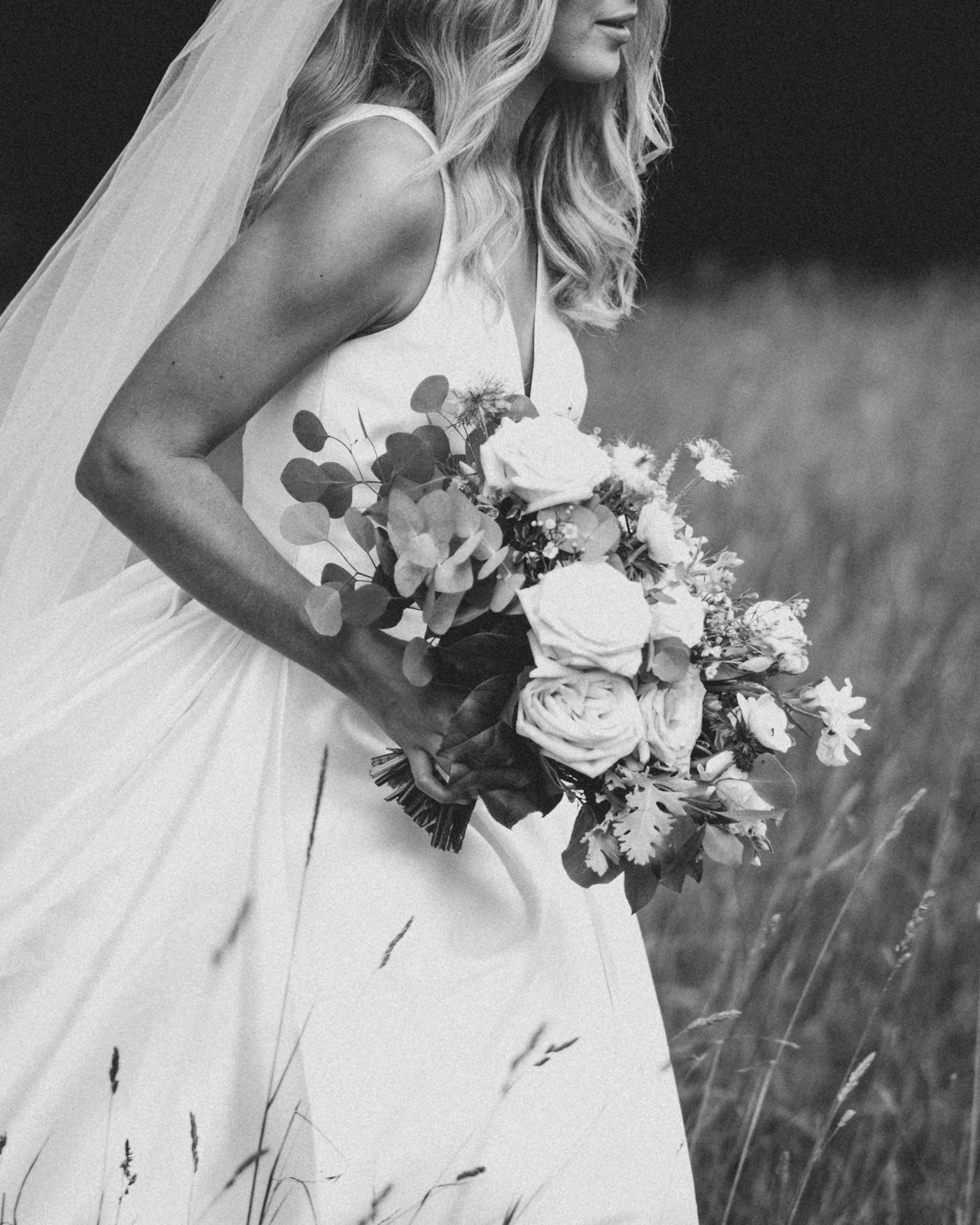 Intimate outdoor wedding at North Mowing Estate