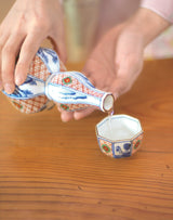 How to serve and how to drink sake