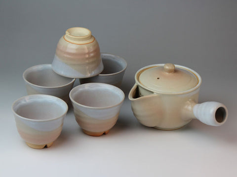 Lily Hagi Ware Tea Set