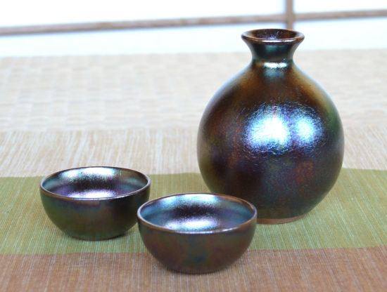 Rainbow Arita Porcelain Sake Set