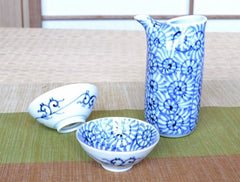 Octopus Arabesque Arita Porcelain Sake Set