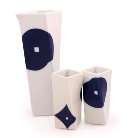 Twist Arita Porcelain Sake Set by Tadashi Takahashi