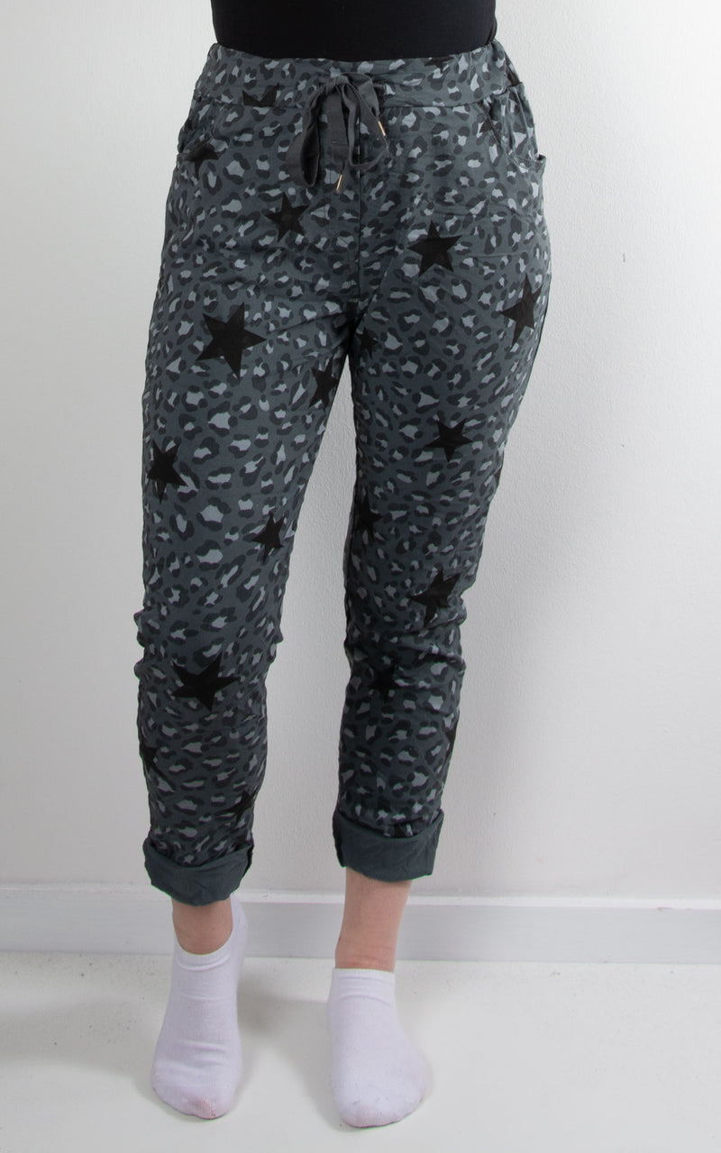 Magic Jogger | Leopard Star | Charcoal