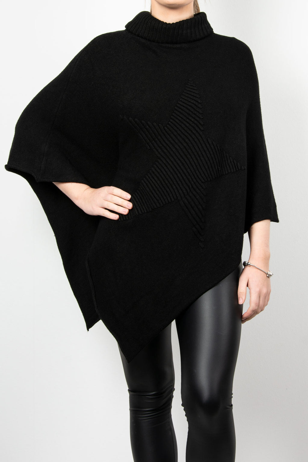 Poncho Roll Neck | Black