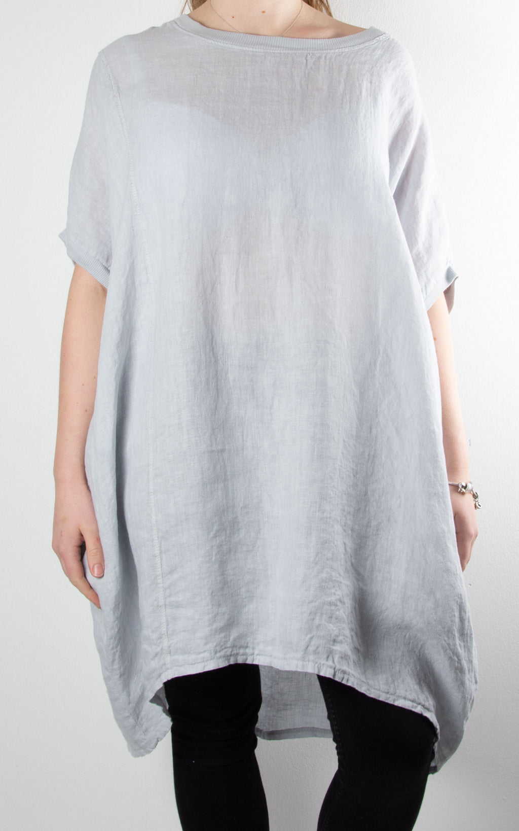 Saint Wing Back | Light Grey
