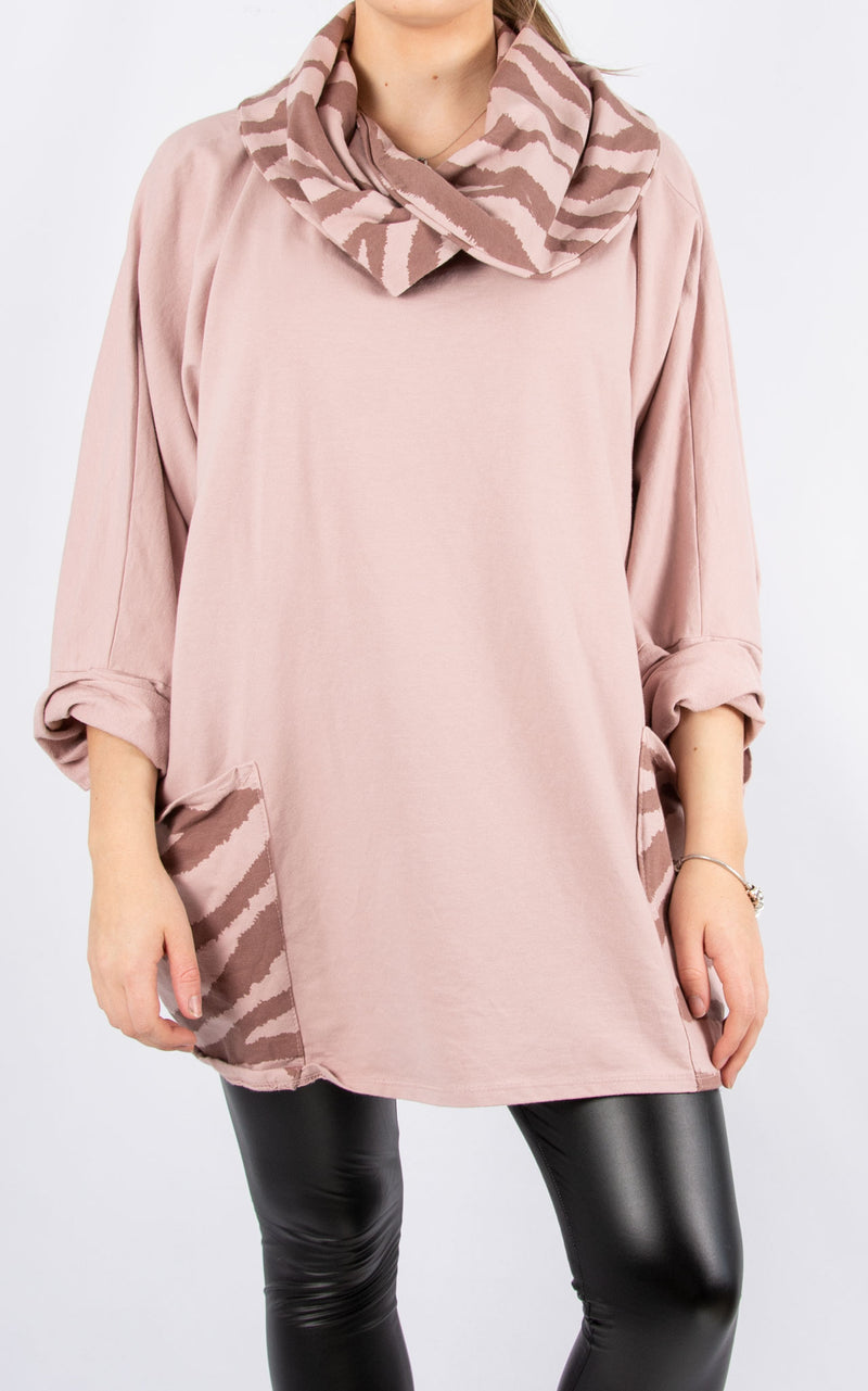 Tiger Roll Neck Pocket | Pink