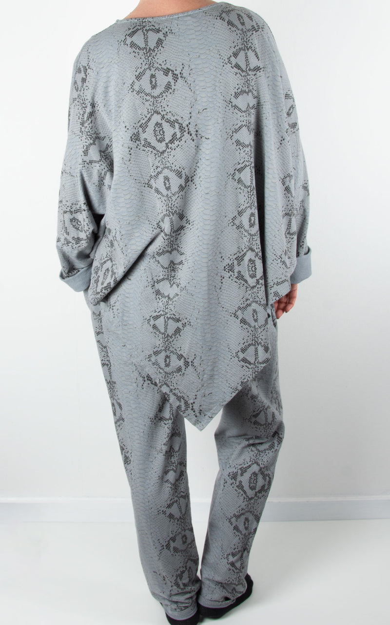 V Front Lounge Set | Snake Print | Light Grey