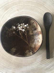 Leaf Coconut Bowl with Wooden Spoon