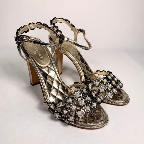 Chanel golden sandal with beads, 40.5